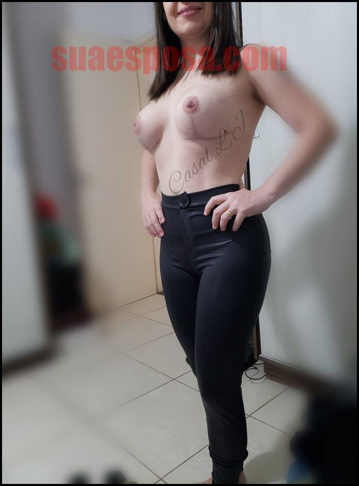 Branquinha-gostosa-se-exibindo-pelada-16